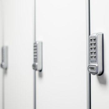 KL1200 verticaal pincode slot op deurtje