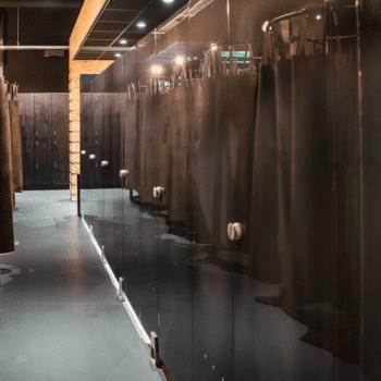 Glazen sanitaire wanden